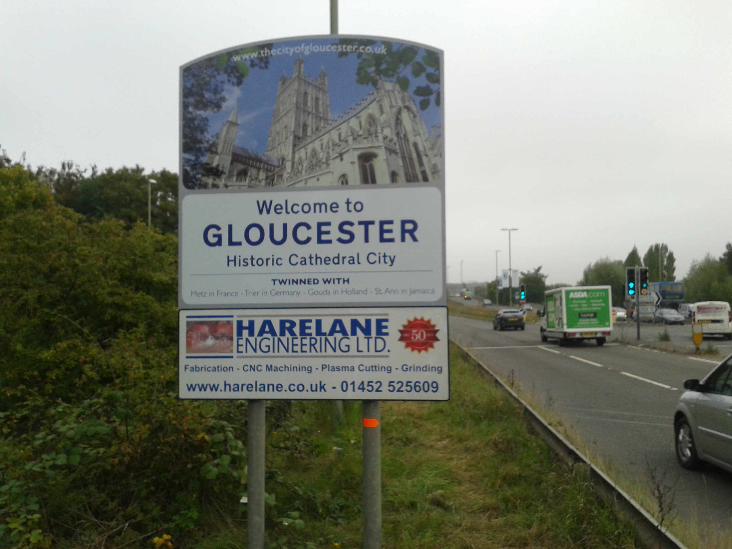 New Signs Offer A Warm Welcome To Gloucester Gloucester News Centre